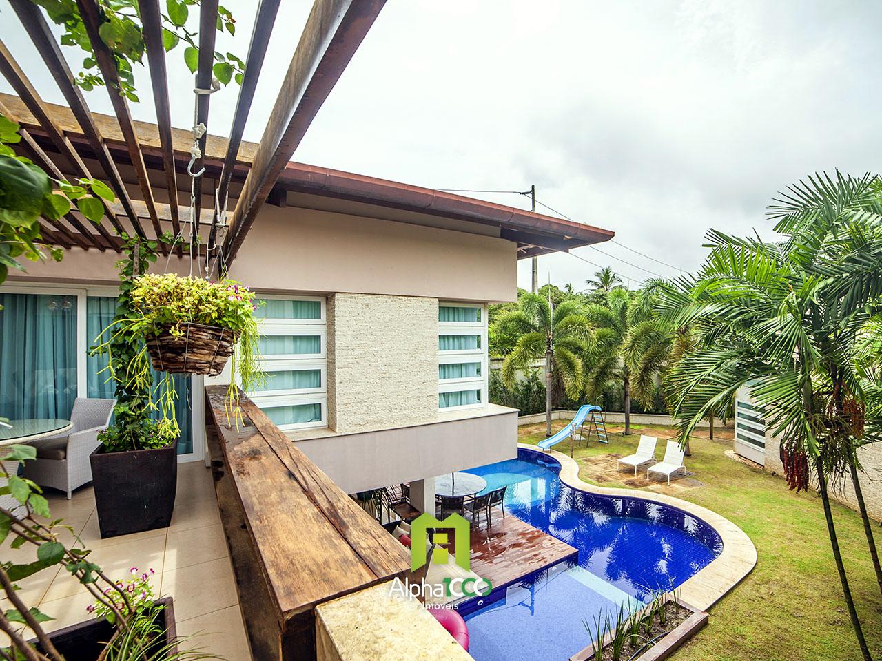 Linda mansão com piscina de alto padrão
