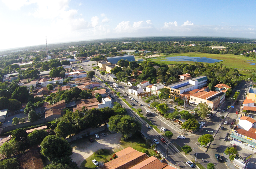 Urbanismo e qualidade de vida exibidas em imagem aérea do Eusébio